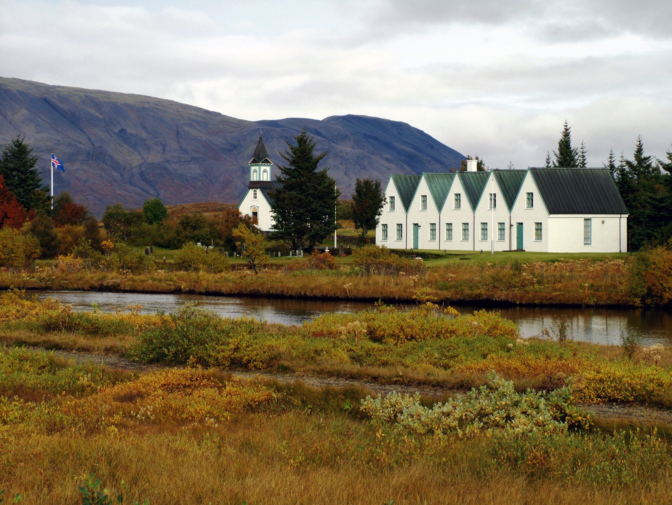 Þingvellir chuch and farmhouse.