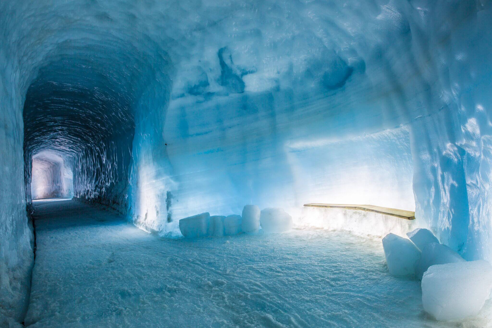 Icelands ice caves